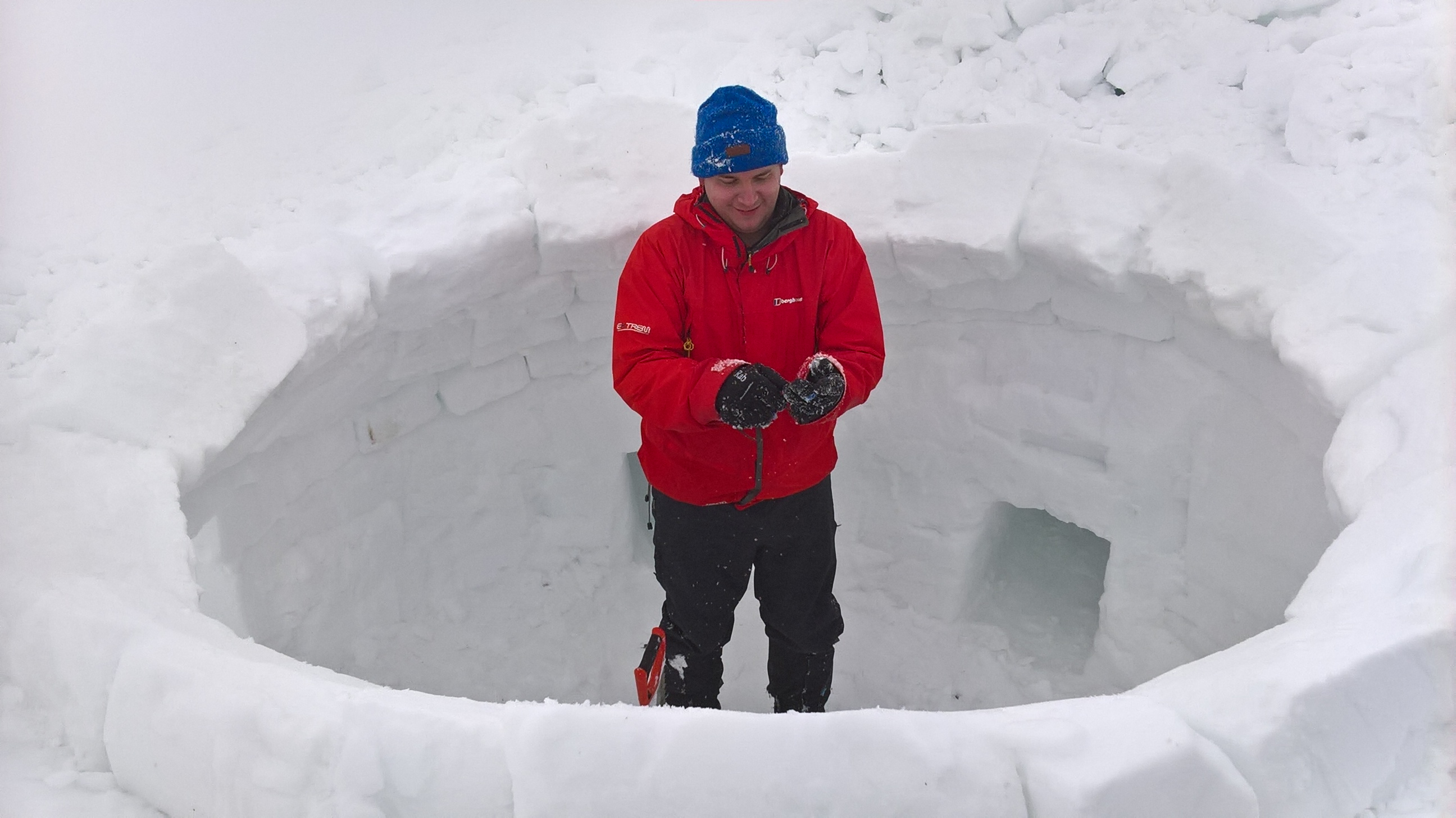 Labman Iglooing Aviemore Ian Riley Hole