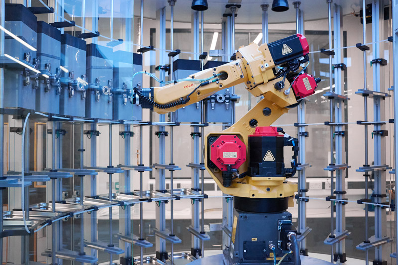 Liverpool University Materials Innovation Factory MIF Labman Automated formulation engine fanuc yellow robot arm MDU material dispensing unit
